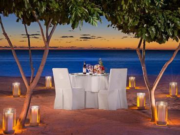 Somptueux dîner les pieds dans le sable au JW Marriott Mauritius