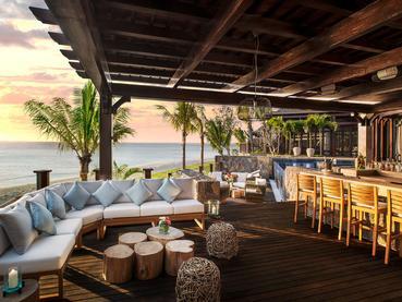 Sirotez une délicieuse boisson au bar du JW Marriott Mauritius