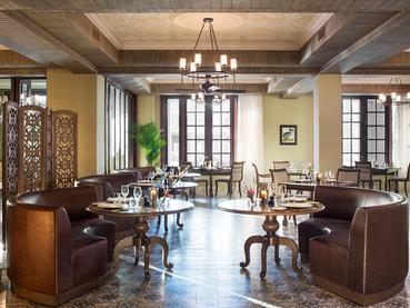 Le restaurant Manoir Dining Room de l'hôtel JW Marriott Mauritius