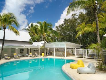 La piscine du Tropical Attitude à Trou d'Eau Douce