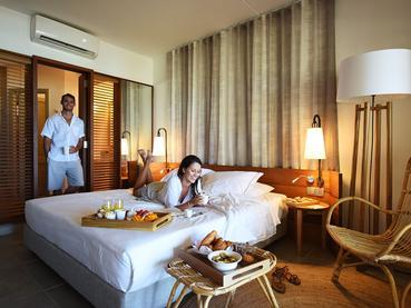 Dégustez votre petit déjeuner dans votre chambre au Veranda