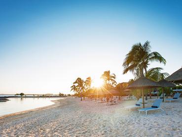 Profitez d'un moment de détente sur la plage du Veranda