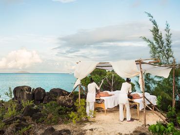 Massage en plein air au Zilwa Attitude à l'île Maurice