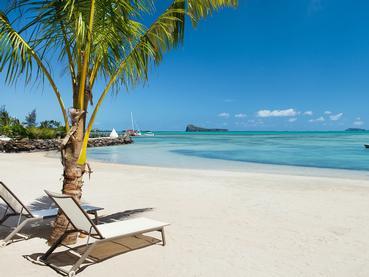 La superbe plage de l'hôtel Zilwa Attitude à Calodyne