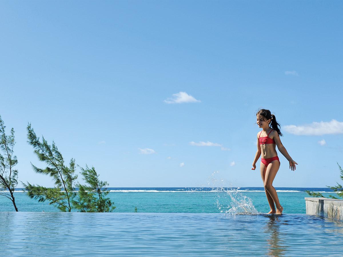 La superbe piscine de l'hôtel Tekoma à Rodrigues